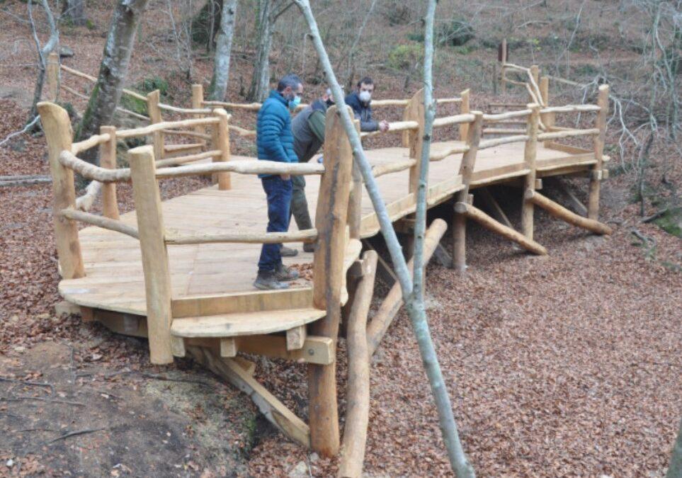 Colocadas infraestructuras de madera en el Nacedero del Urederra